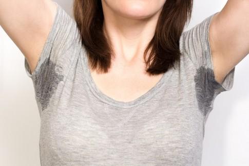 脇が臭い!脇、脇汗の臭いが気になる人必見の抑える方法があります!
